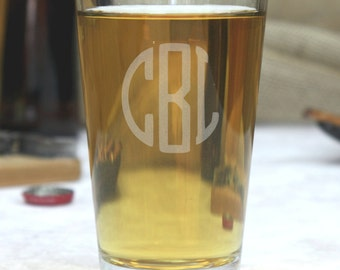 Custom Monogram Pint Glass, Personalized Pint Glasses, Pint Glass Engraved, gift for him, gift for her, anniversary gift,