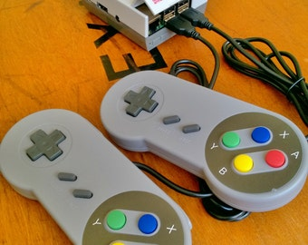 Retro Game Console 32GB with over 6400 games.  Choose from 18 different designs of console case