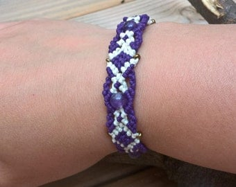 Macrame bracelet with amethyst and waxed cotton cord