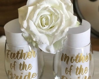 Mother father of the bride wine glasses/Father of the bride/Mother Father of Bride/Wedding Gifts/Parents of the bride/Bridal gifts