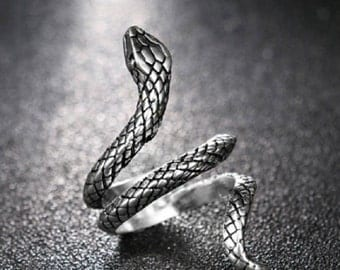 Serpent Slither Ring