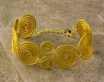 Evelin Golden Grass Bracelet