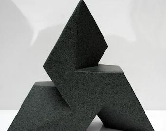Trisk geometric stone carving