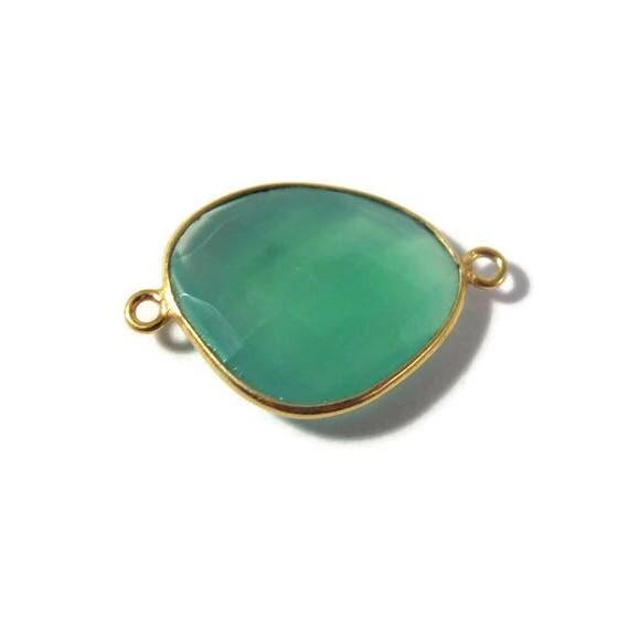 Natural Green Onyx Pendant, Gold Plated Gemstone, Irregular Bezel Set Charm, 26mm x 17mm Charm for Making Jewelry (C-Go5)
