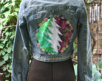 Steal Your Face jean jacket // denim coat // small jean jacket // cropped jean jacket // Grateful Dead coat // small hippie jacket