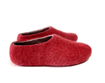 House wool shoes for Women Mens wool slippers Christmas Red Felt wool slippers Boiled wool shoes Mix Match Color Sole, Personalised Gift