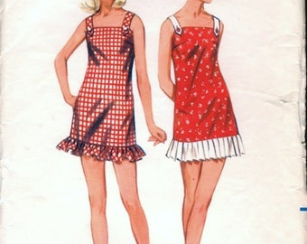 Cute Vintage 1960s Butterick 4450 Sleeveless Mini Shift Dress or Cover Up , Beach Dress Sewing Pattern B32