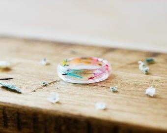 Rainbow Dandelion Wish Ring - Dandelion Seed Jewelry , Botanical Jewelry , Pressed Flower Ring , Dandelion Jewellery , Resin Ring , Rainbow