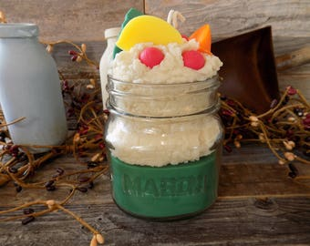 Christmas Cheer Scented Grubby Square 8 Ounce Mason Jar