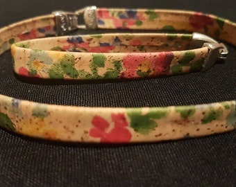 Multi-coloured choker and bracelet set