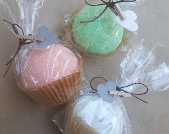 2 medium bath bombs