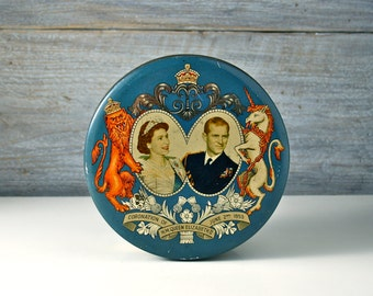 Vintage tin biscuit box. Coronation Queen Elizabeth II of England. 1953 souvenir. Blue. Wright's Biscuits. Candy tin. 1950s.