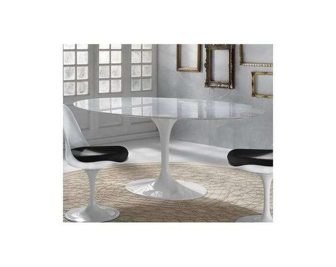 Tulip oval table in Carrara Marble Top Eero Saarinen