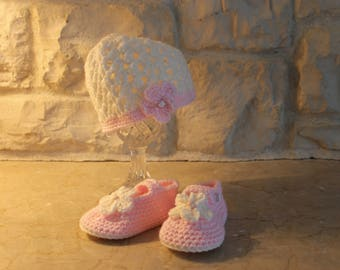 Baby girl hat and shoe set