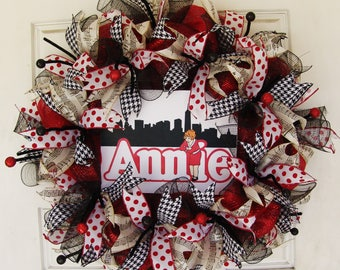 Annie Deco Mesh Wreath, Musical Theater Broadway Movie, Front Door, Classroom Teacher, Class Decoration, Grand Opening Decor, Cast Greeting