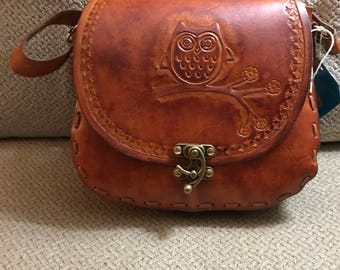 Hand Tooled Leather Hand Bag    (P14)