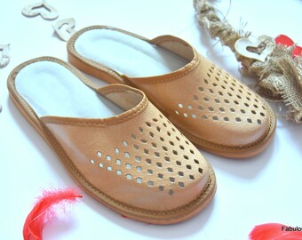 LEATHER slippers for man, Natural Brown slippers, House shoes, leather , Footwear, Home Natural gift for man. Gift for women. Easter gift.