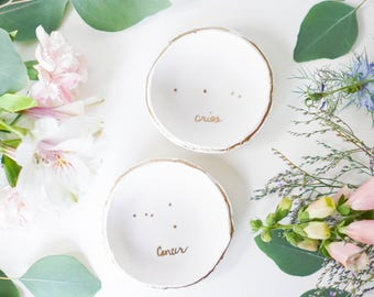Minimalist Zodiac Constellation Jewelry Dish / Ring Dish / Personalized Jewelry / Zodiac Sign / Gift for Her / Bridesmaids Gift / Engagement