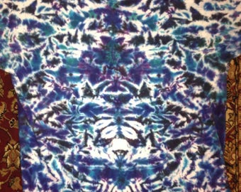 Purple and nlues crinkle tie dye size L