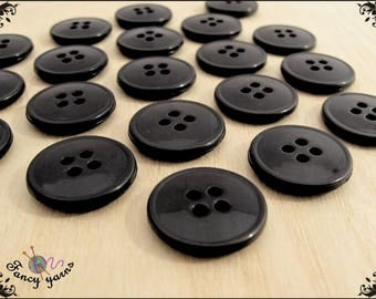 20 nylon buttons mm.18 black color 4 holes