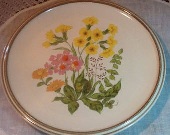 """Vintage, Mikasa, Fresh Bouquet, D8001, 7 3/4"""" salad plates, Stonewear, midcentury,country, cottage, yellow buttercups, pink, orange, gold"""