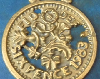 Rare vintage HORSE BRASS 1983 SIXPENCE Design  Made in England