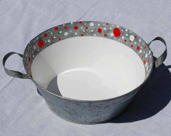 Small bowl decorated