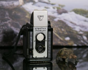 Argus Argoflex Seventy Five Psuedo TLR 620 Film Camera