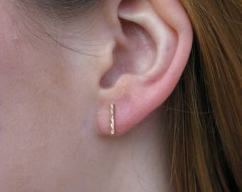 9ct gold bar stud earrings