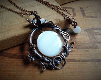 Necklace pendant copper and white mother of Pearl puck * 60