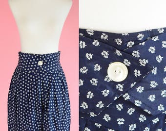 Vintage Byer, 1990s Navy Blue Shorts // High Waisted, 90s, Boat Shorts, Women Size Small