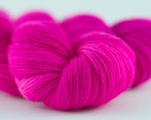 Handdyed semisolid sock yarn Colorway: DANGEROUS PINK 75/25 wool/polyamide 100g/420m 3.5 oz/460y 4ply, fingering, neon, soft, warm