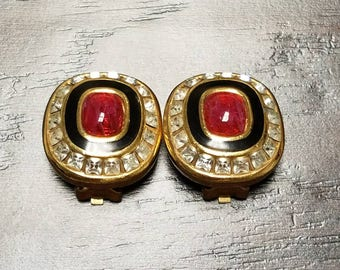 Beautiful Vintage Clip-on Earrings by Grosse