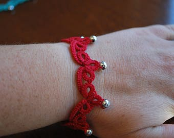 Tatted, handcrafted, lace bracelet with beads