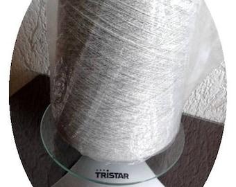 Light grey fine wool cone 542 g