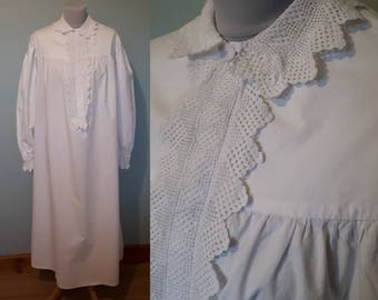 Divine Victorian nightgown, antique nightwear vintage nightdress white cotton Small medium Long sleeved lacy frilly collar oversized granny
