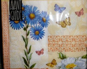 Set of 4 paper napkins brand Avant Garde, Blueberry paper napkins, napkins, paper butterflies