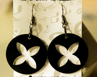 Black circle dangle vinyl record earrings,earrings for woman,flower,upcycled earrings minimalist earrings sustainable fashion edgy jewelry