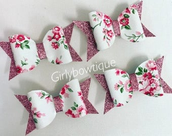 Small Pink glitter floral clips