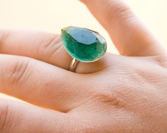 Green Teardrop Gem Ring