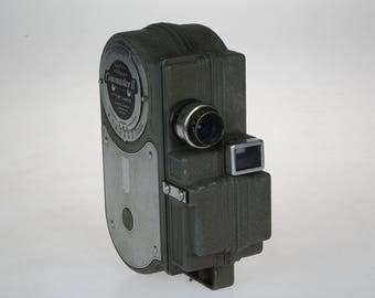 Vintage Cinemaster II - 8MM Movie Camera - Model G-8 Cine