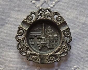 Paris souvenir ashtray - Vintage Paris ashtray - French metal ashtray