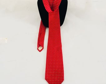 "Brooks & Brothers  Necktie  /  Red Silk Man Tie 56""L  X 3.5"" W"