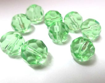 faceted light green glass 8mm 10 beads