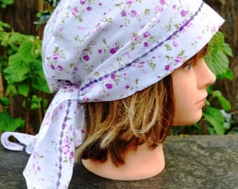 Bandana headscarf, scarf, preformed in cotton with small pink-purple flowers on white background - one size