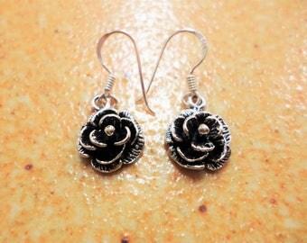 "Dok ku Larb ""Rose"" Earring silver From Nonthaburi Thailand"