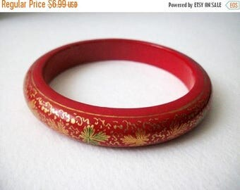 ON SALE Retro Hand Painted Stenciled Wooden Bangle 52016