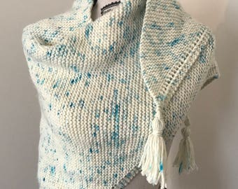 châle tricoté à la main de 100 % laine bleu saupoudrer