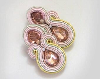 Pink crystal earrings Inspirational soutache earrings gift for sister gioielli Light pink earring stud earring Orecchini soutache jewelry