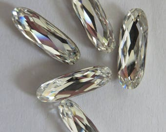 Oval cabochon Swarovski 15 x 5 mm Crystal